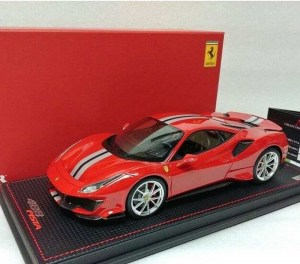 Ferrari 488 Pista 1:18, by MR Collection - FE025A