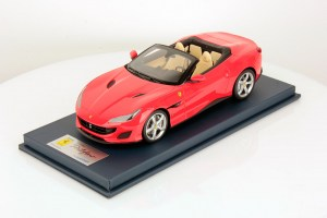 Ferrari Portofino with Open Roof - Rosso Scuderia Scale 1:18, by LookSmart